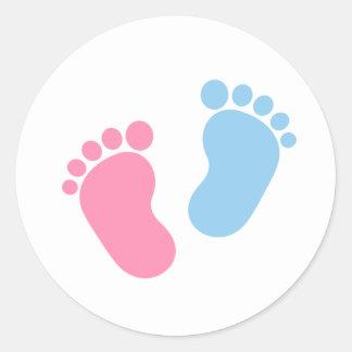 Baby feet round sticker