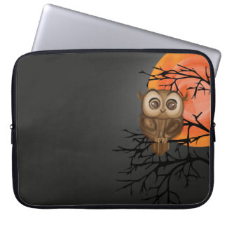 Baby owl with big eyes, good morning. laptop sleeve