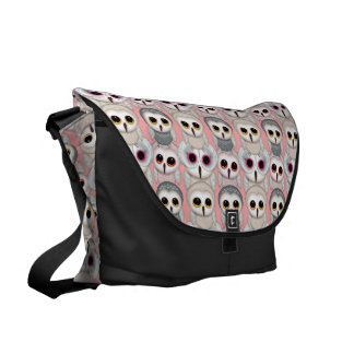 Baby Owls On Pale Pink Background Pattern Messenger Bags