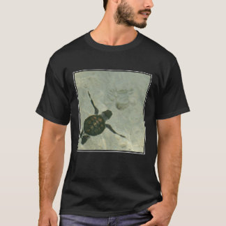 Baby Sea Turtle Swimming Out To Sea T-Shirt