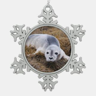 baby-seal-8.jpg pewter snowflake ornament