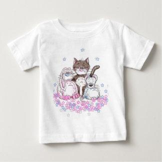 Baby T-shirt three characters