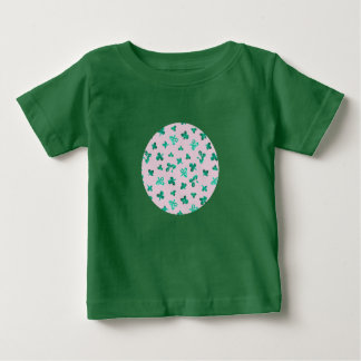 Baby T-shirt with clover leaves on pink
