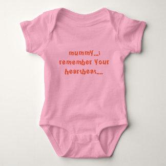 baby tells mummy baby bodysuit