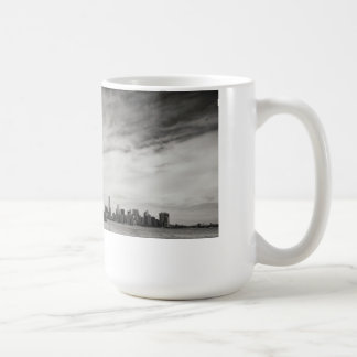 Back and white statue of liberty coffee mug