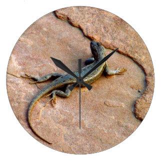 Backyard Lizard Wallclock