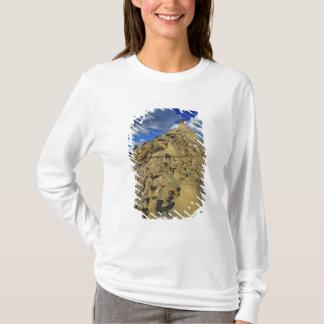 Badlands formations at Dinosaur Provincial Park 5 T-Shirt