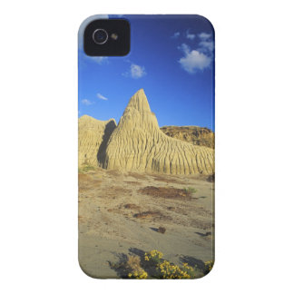 Badlands formations at Dinosaur Provincial Park 7 iPhone 4 Cover