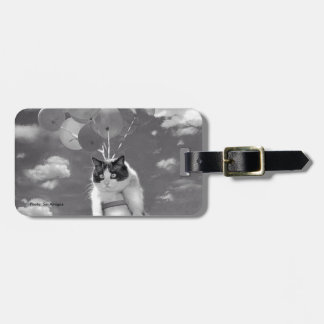 Bag Tag: Funny cat flying with Balloons Bag Tag