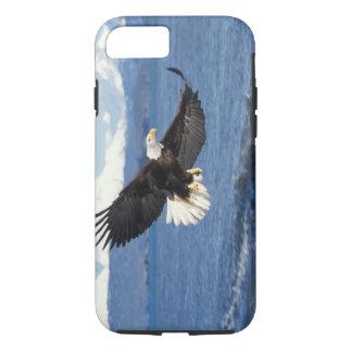 bald eagle, Haliaeetus leuccocephalus, in flight iPhone 8/7 Case