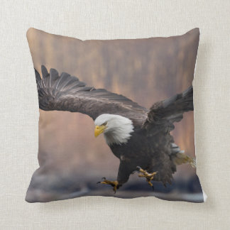 Bald Eagle landing Cushion