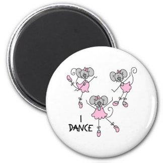 Ballerina Gift 6 Cm Round Magnet