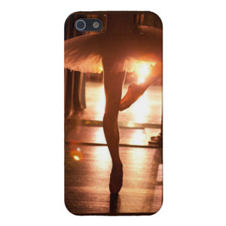 Ballerina phone marries iPhone 5/5S case