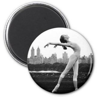 ballet 6 cm round magnet