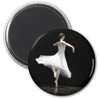 Ballet Dancer 6 Cm Round Magnet