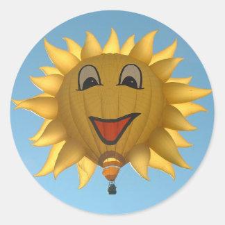 Balloon sunny classic round sticker