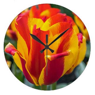 Banja Luka tulip wall clock
