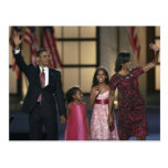 Barak Obama family wave at the last night of Postcard