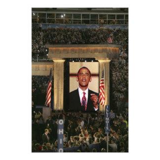Barak Obama speaks at the last night of the Art Photo
