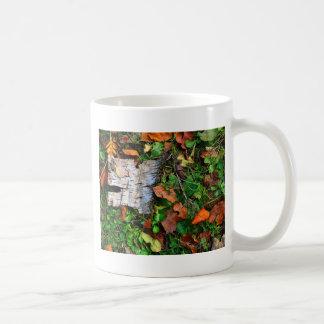 Bark and Leaves Basic White Mug