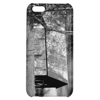 Barn in B/w phone case II iPhone 5C Case