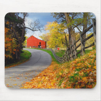 Barn in Fall Mouse Mat