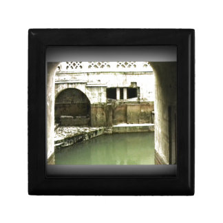 Bath England 1986 Roman Bath1b snap-14067 jGibney Jewelry Boxes