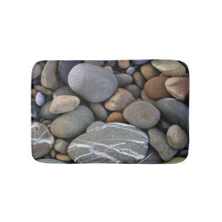 Bath mat with pebbles
