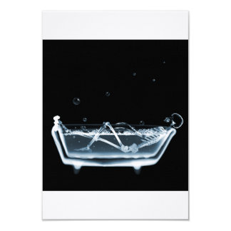 BATH TUB X-RAY VISION SKELETON - BLUE 9 CM X 13 CM INVITATION CARD