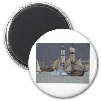 battle-reenactment-at-the-san-deigo-maritime-museu 6 cm round magnet