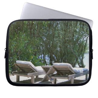 Beach Chair 5 Laptop Sleeve
