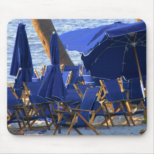 Beach Crowd by Leslie Peppers Mousepad