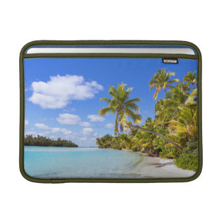 Beach Of Tapuaetai | Aitutaki, Cook Islands MacBook Sleeve