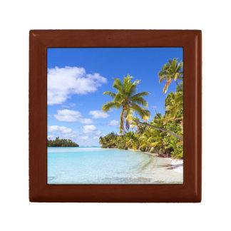Beach Of Tapuaetai | Aitutaki, Cook Islands Small Square Gift Box