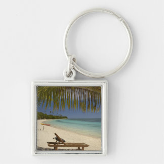 Beach, palm trees & lounger Silver-Colored square key ring