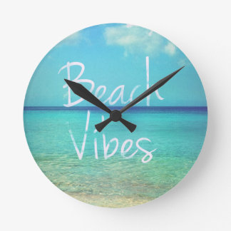 Beach vibes round clock