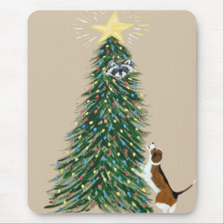 Beagle With Treed Raccoon Mouse Mat