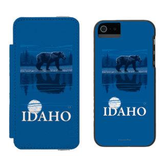 Bear in MoonlightIdahoVintage Travel Poster Incipio Watson™ iPhone 5 Wallet Case
