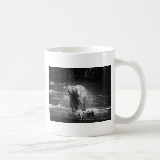 Bear Shaking Basic White Mug