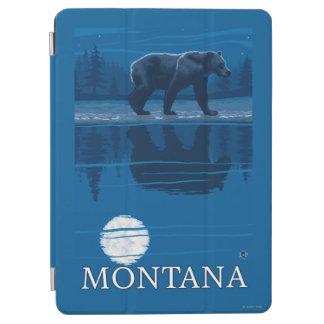 Bear Walking in Moonlight Vintage Travel iPad Air Cover