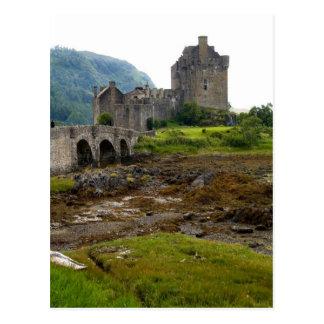 Beautiful Eileen Donan Castle in Western Dornie 2 Postcard