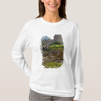 Beautiful Eileen Donan Castle in Western Dornie 2 T-Shirt