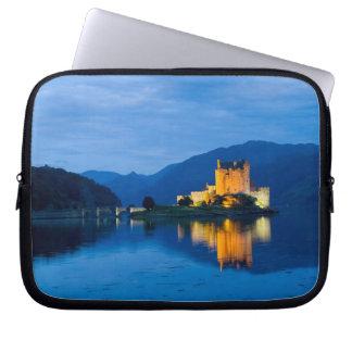 Beautiful Eileen Donan Castle in Western Dornie Laptop Sleeve