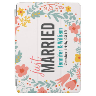 Beautiful Floral Just Married Wedding Decoration iPad Air Cover