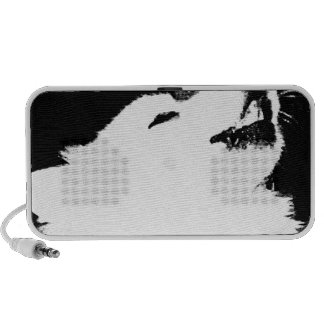 Beautiful furry Samoyed white dog Travel Speaker