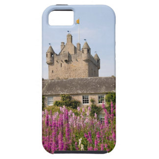 Beautiful gardens and famous castle in Scotland 2 iPhone 5 Cover