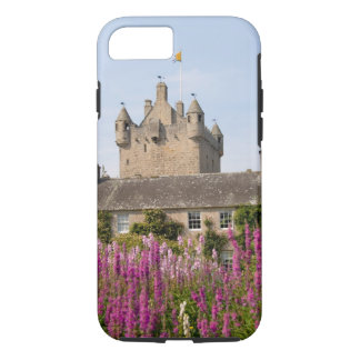 Beautiful gardens and famous castle in Scotland 2 iPhone 8/7 Case