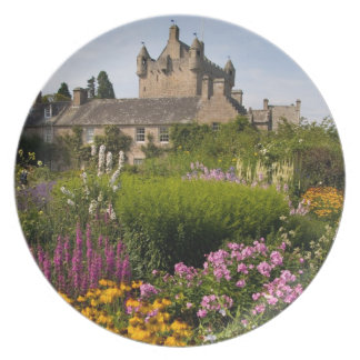 Beautiful gardens and famous castle in Scotland Plate