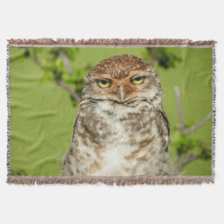 Beautiful Owl in Nature Throw Blanket