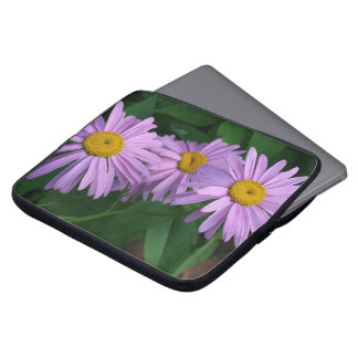 Beautiful Painted Daisies Laptop Sleeve